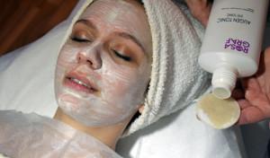 Aplikace  masky po hlubokém čištění